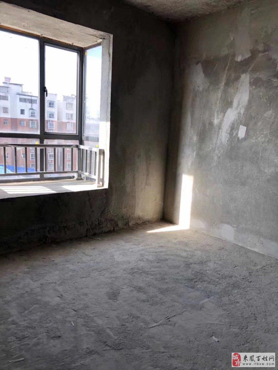 华龙城3室2厅2卫49.8万元