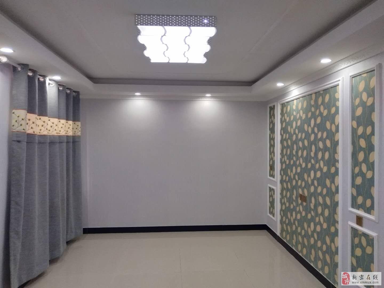 溱水路锦园后面精装修三室,33.5万