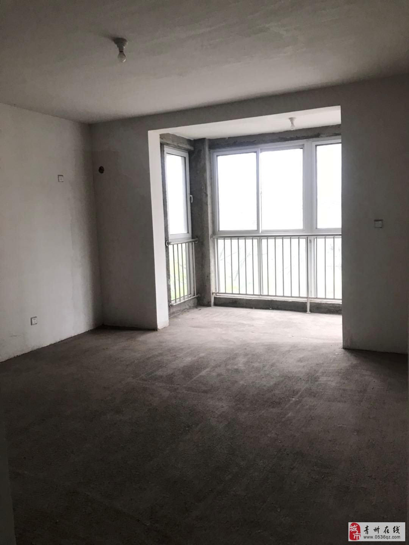 御景隆城一二楼复式218平4室带双车位138万