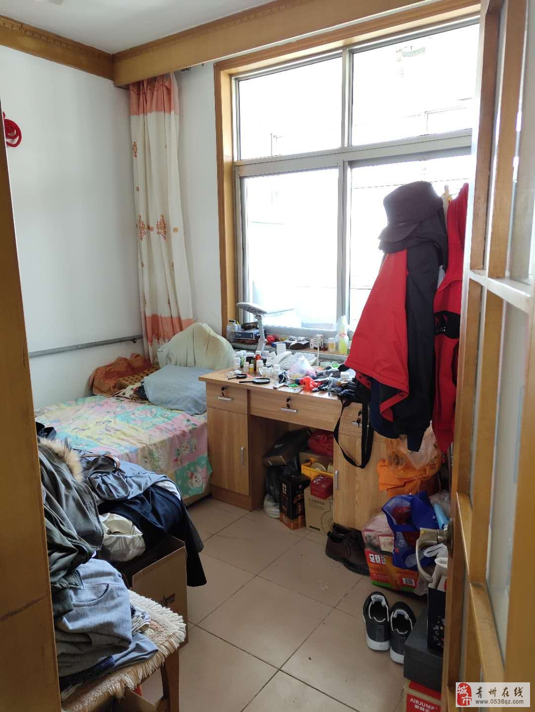 交通局宿舍5楼85平方带储藏室3室精装有证可贷款