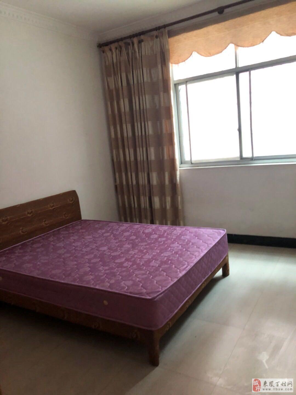 景秀公寓小区4室2厅2卫58万元