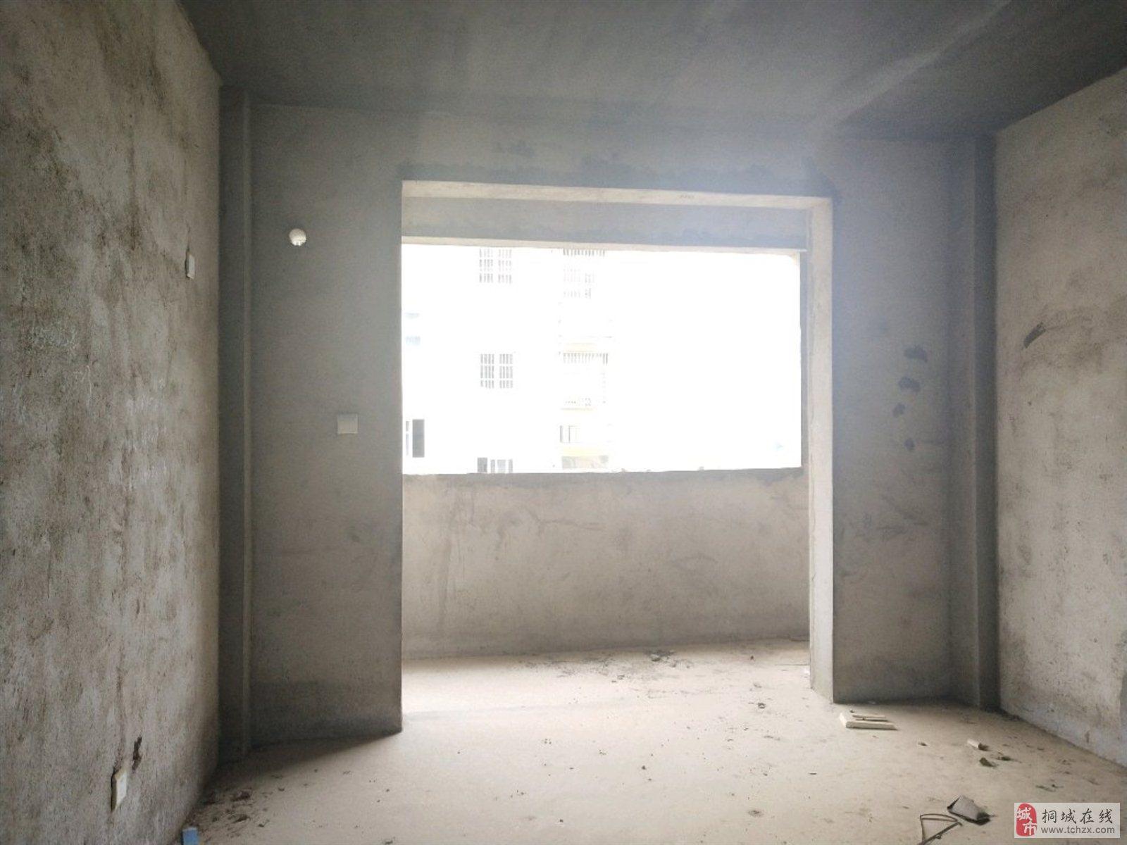 急!香樟园2室2厅1卫户型正,采光好,楼层中