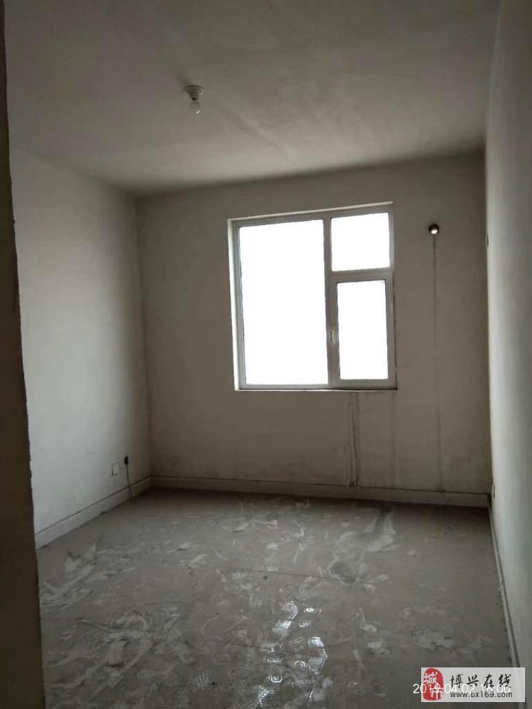 2013佳和花园3室2厅1卫120万元