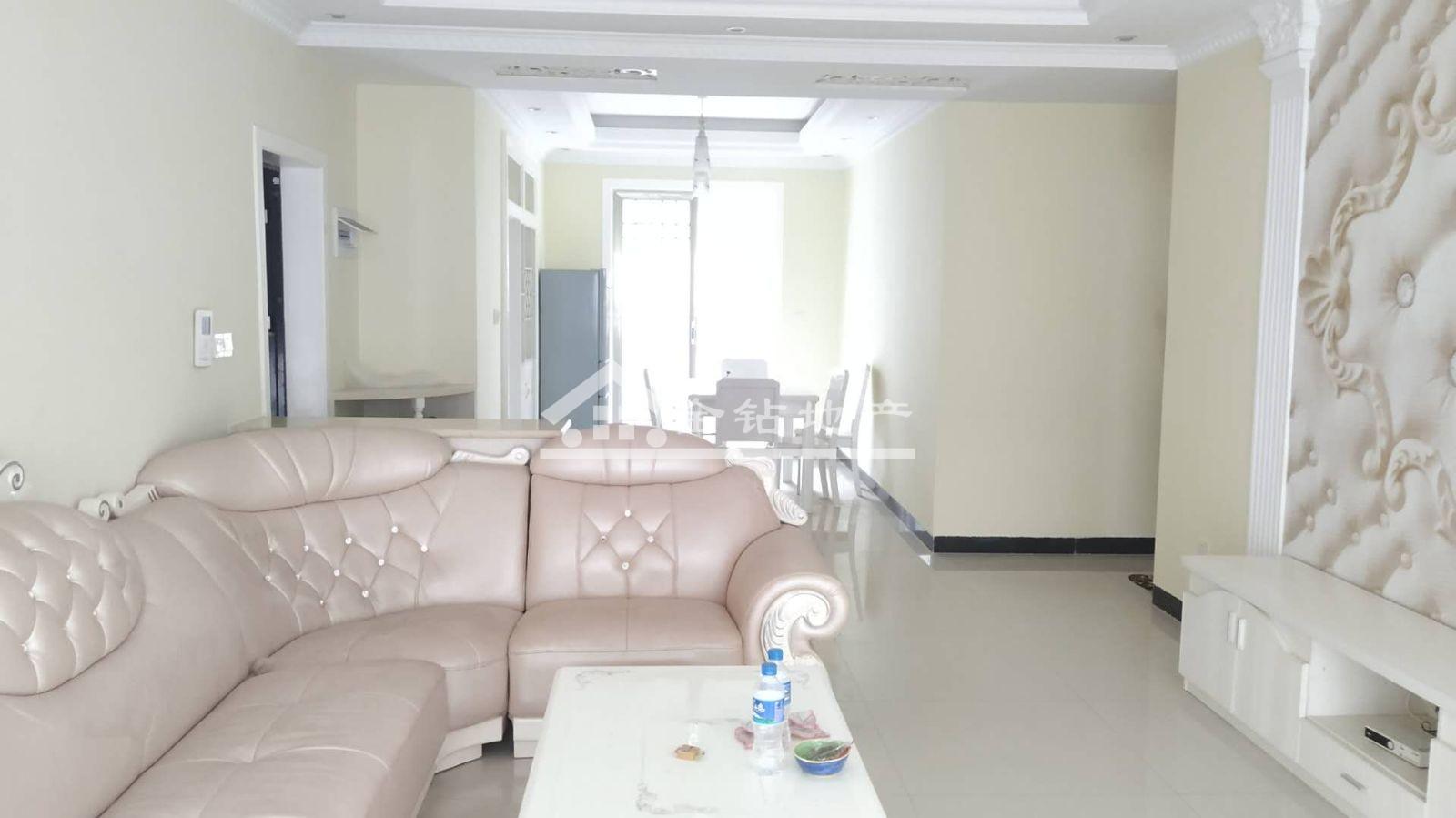 锦绣嘉园101万3室2厅2卫精装修前后双阳台