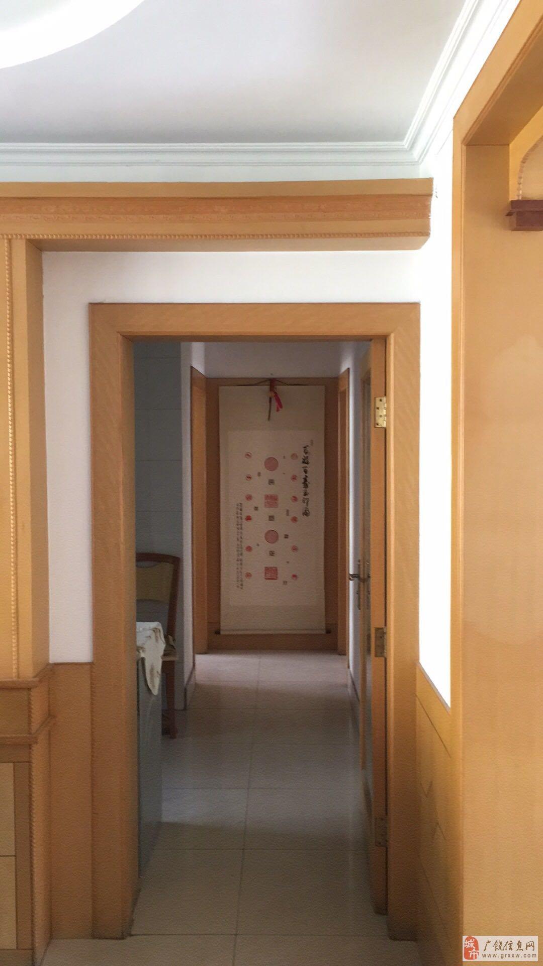翠湖小区3室2厅1卫89万元