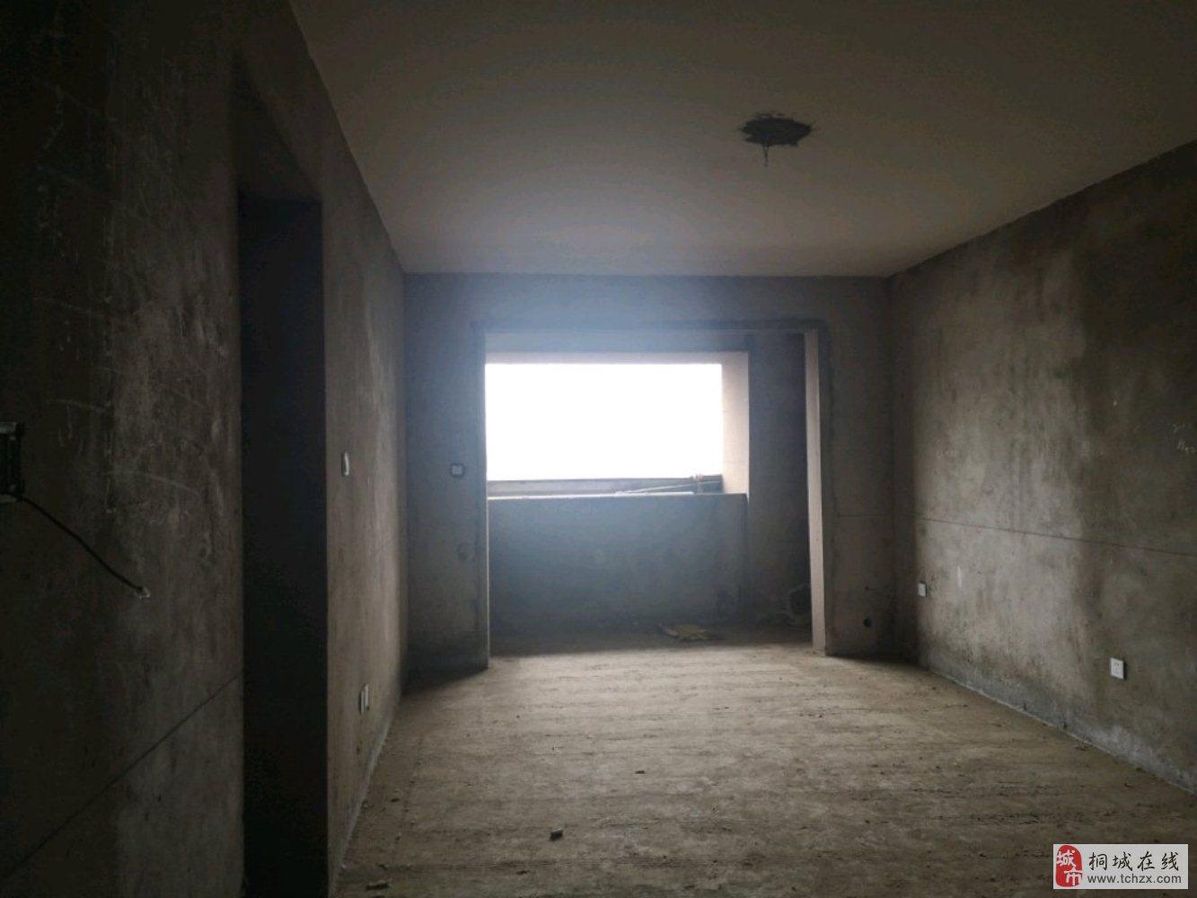 3室2厅1卫65万元龙腾首府急售
