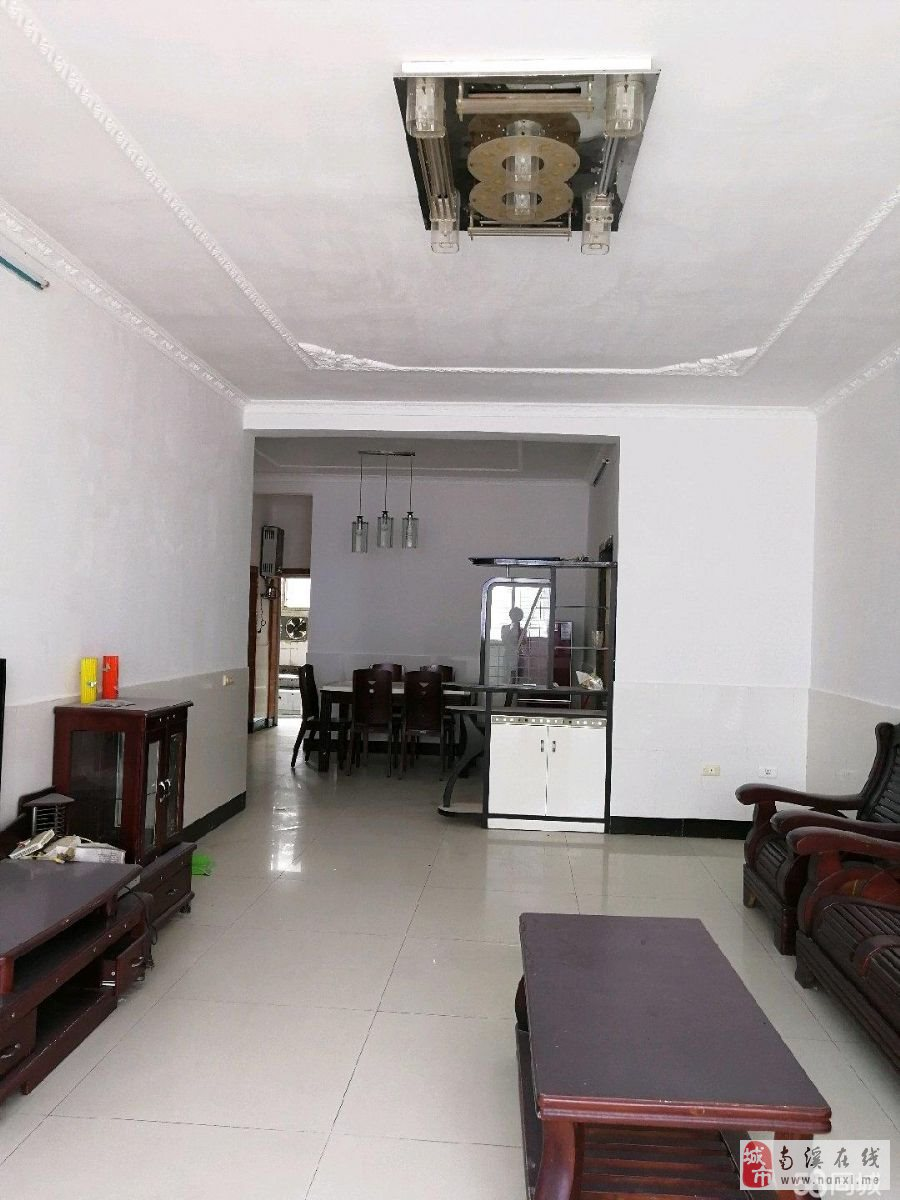 老城区优质房源精装3房房子保养的很好可按揭