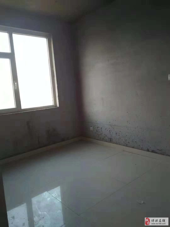 2014翡翠城3室2厅1卫90万元