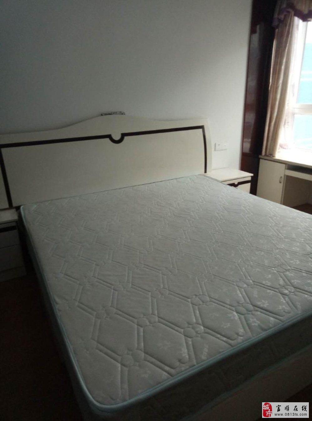 9567东湖上城2室2厅自住房拎包入住