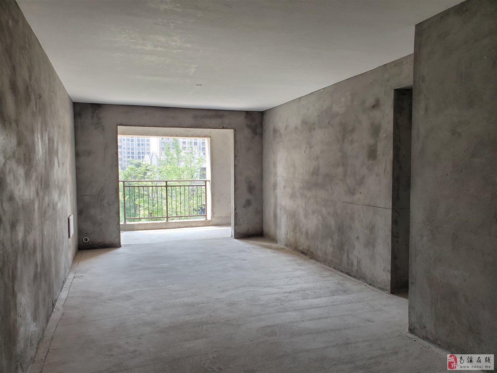 凤凰城 看小区中庭 户型采光完美 可以按揭 随时看房