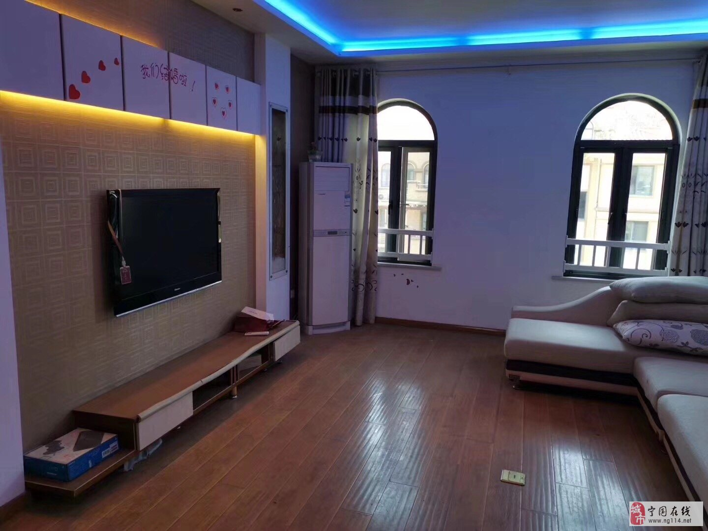 凤凰城一期多层健身楼层,两室两厅一厨一卫两阳台