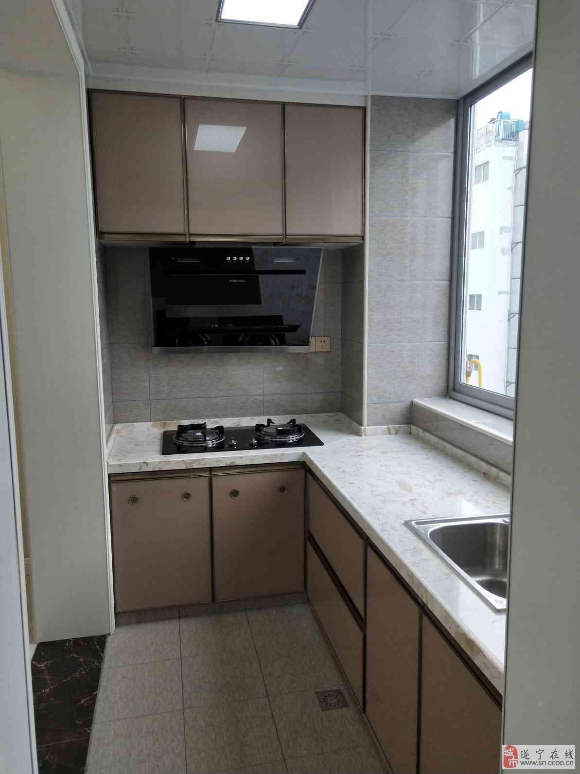 国贸东区3室2厅2卫精装全屋配智能家具