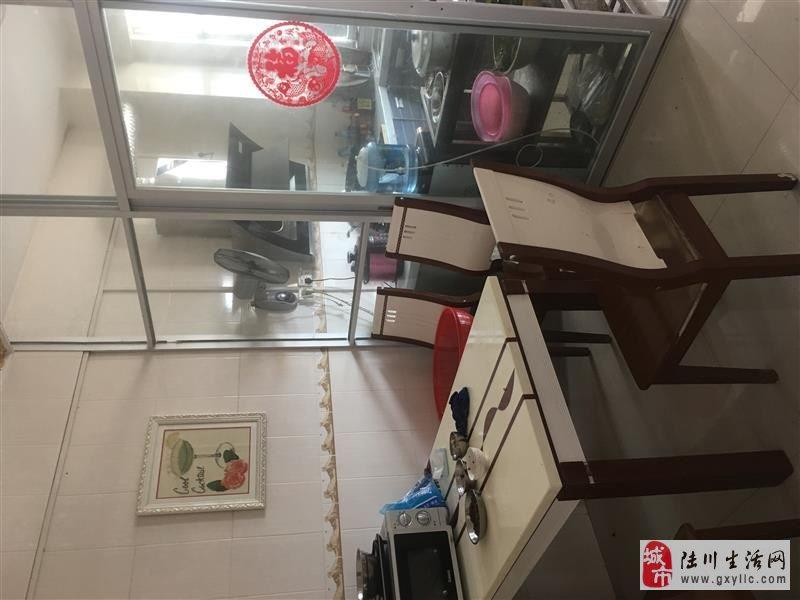 陆川中山苑小区4室2厅2卫45万元抄底价提前预约