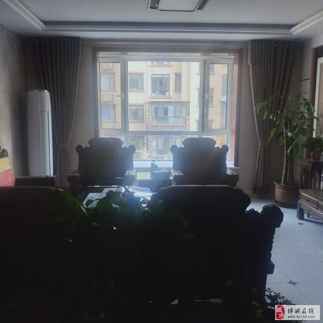 2035翡翠城3室2厅2卫155万元