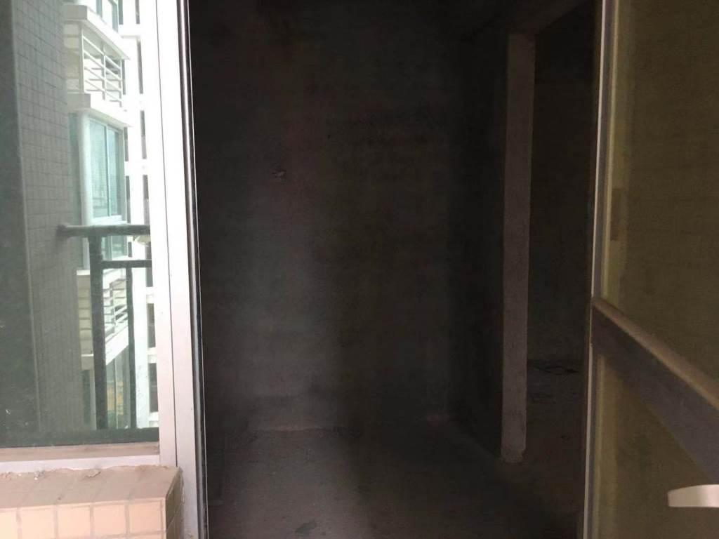 学府名门2室1厅1卫92万元