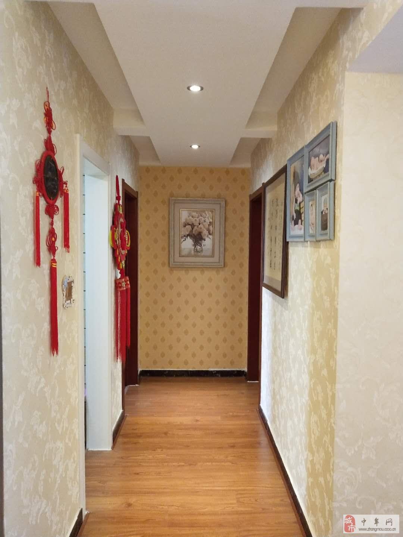 绿城百合花园3室2厅2卫165万元
