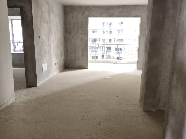 2013年现浇小区,三楼,三室,带40平米花园,