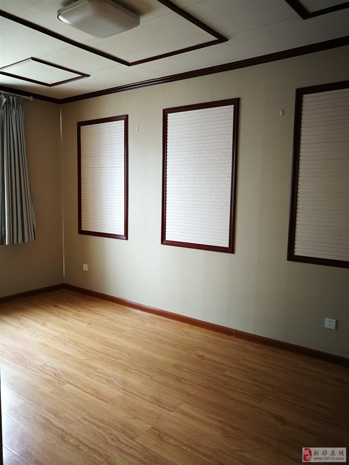 金华街独院3室2厅2卫110万元