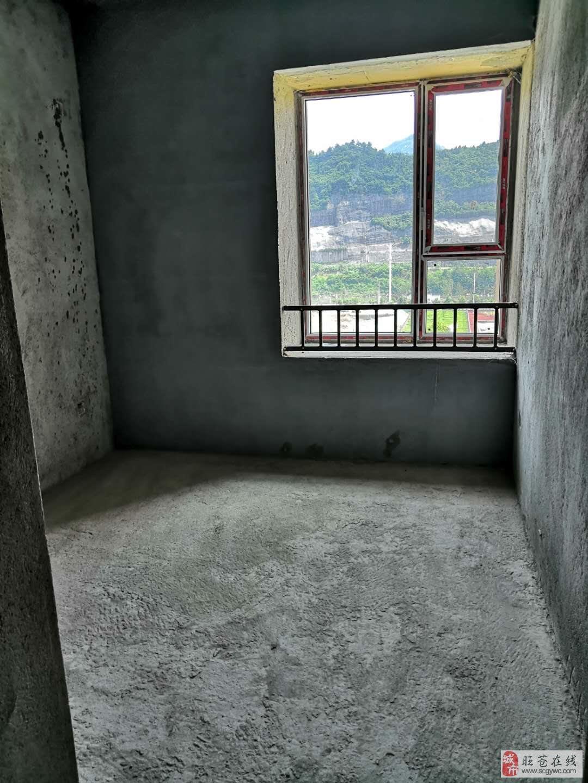 售:红城首府3室2厅2卫47万元