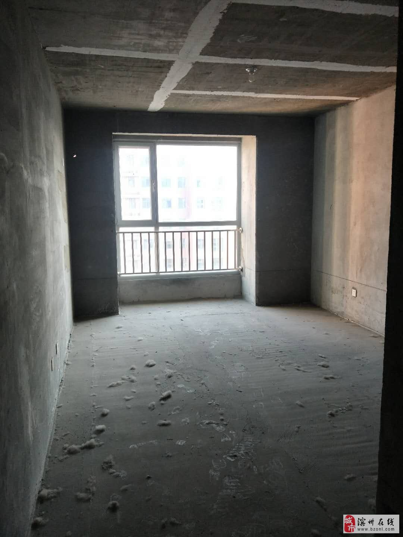 秦皇水岸高端小区马上下证南北通透三室电梯房随时看