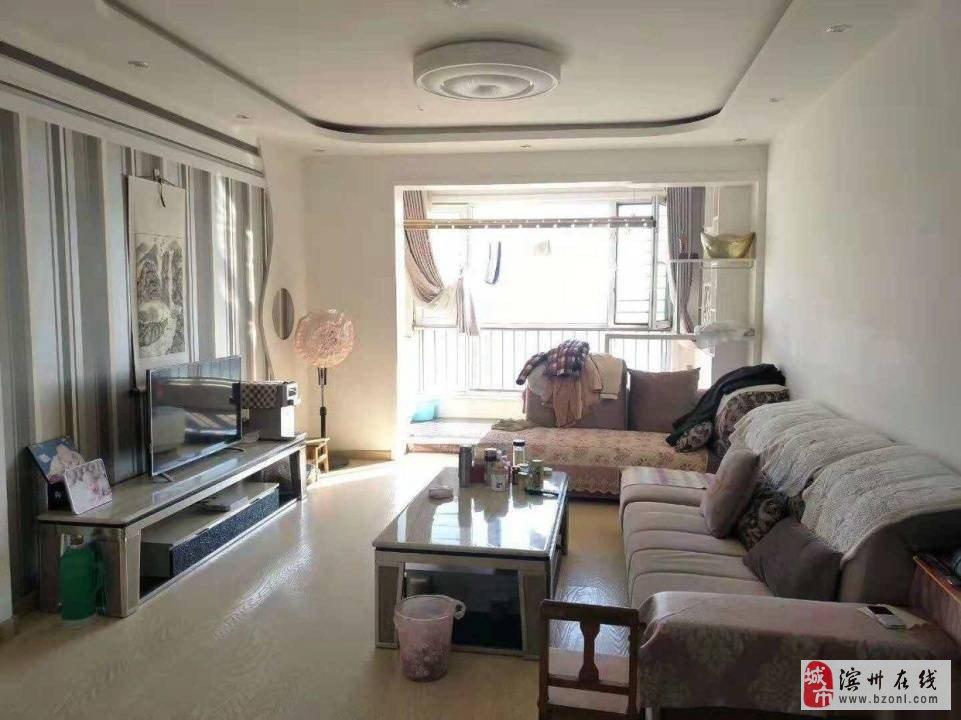 麒麟阁新六中电梯观景楼层精装两室低首付随时看房!