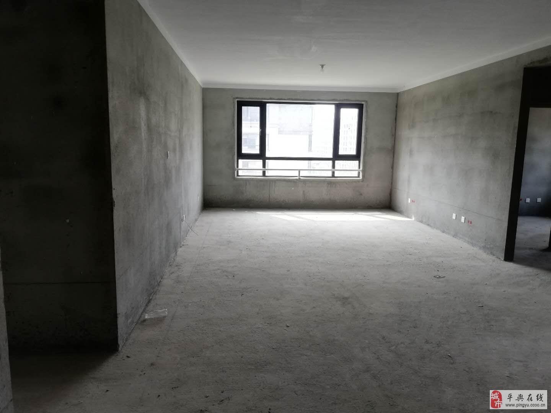 上河城南面4室2厅2卫电梯房带车位(小区房)