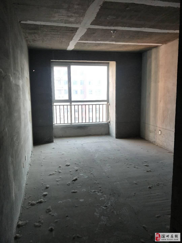 秦皇水岸高端小区马上下证南北通透三室观景10楼随时