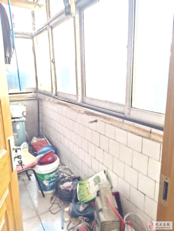 送標間縫紉機公司家屬樓3室2廳1衛46萬元