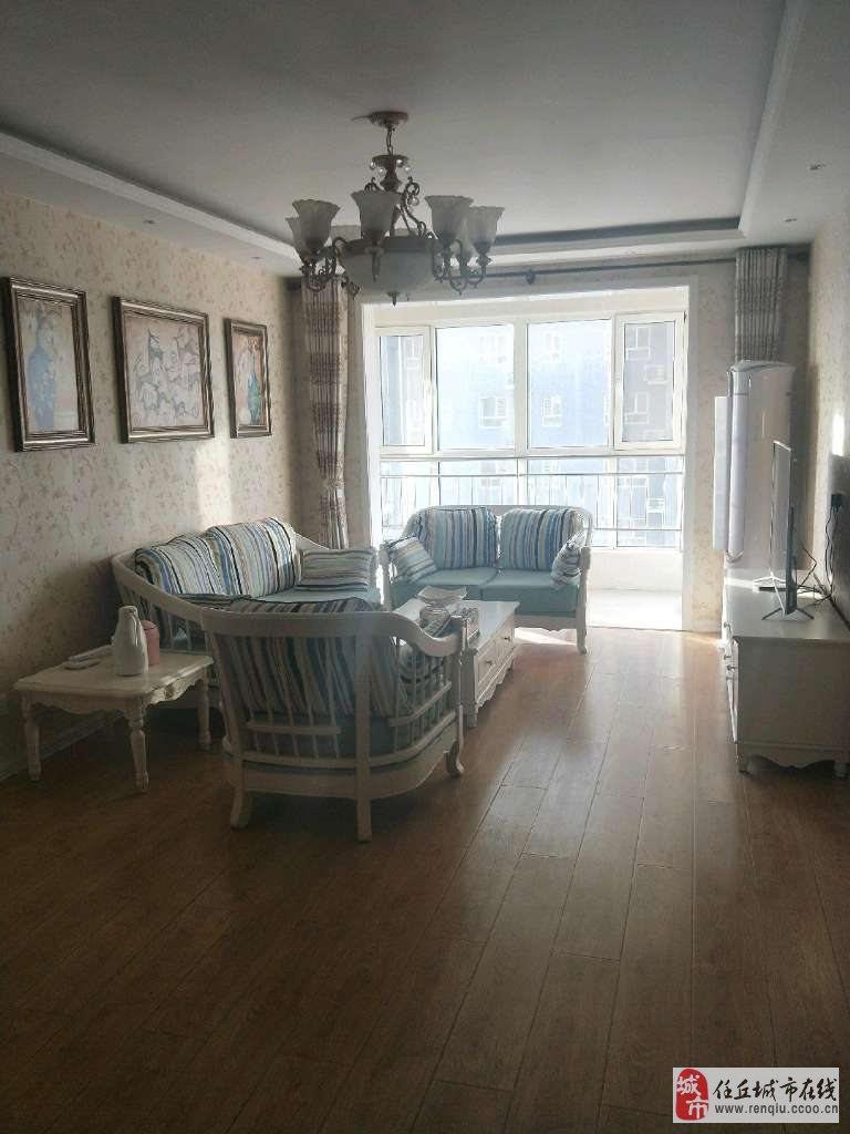 建材小区高层7楼2室2厅精装修可贷款马上满两年
