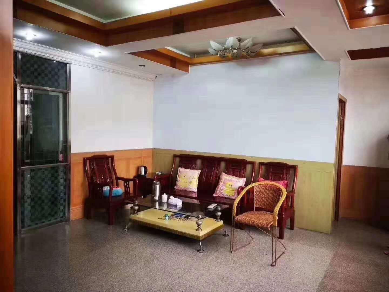 龙湖街电梯房105平方高层阳光足
