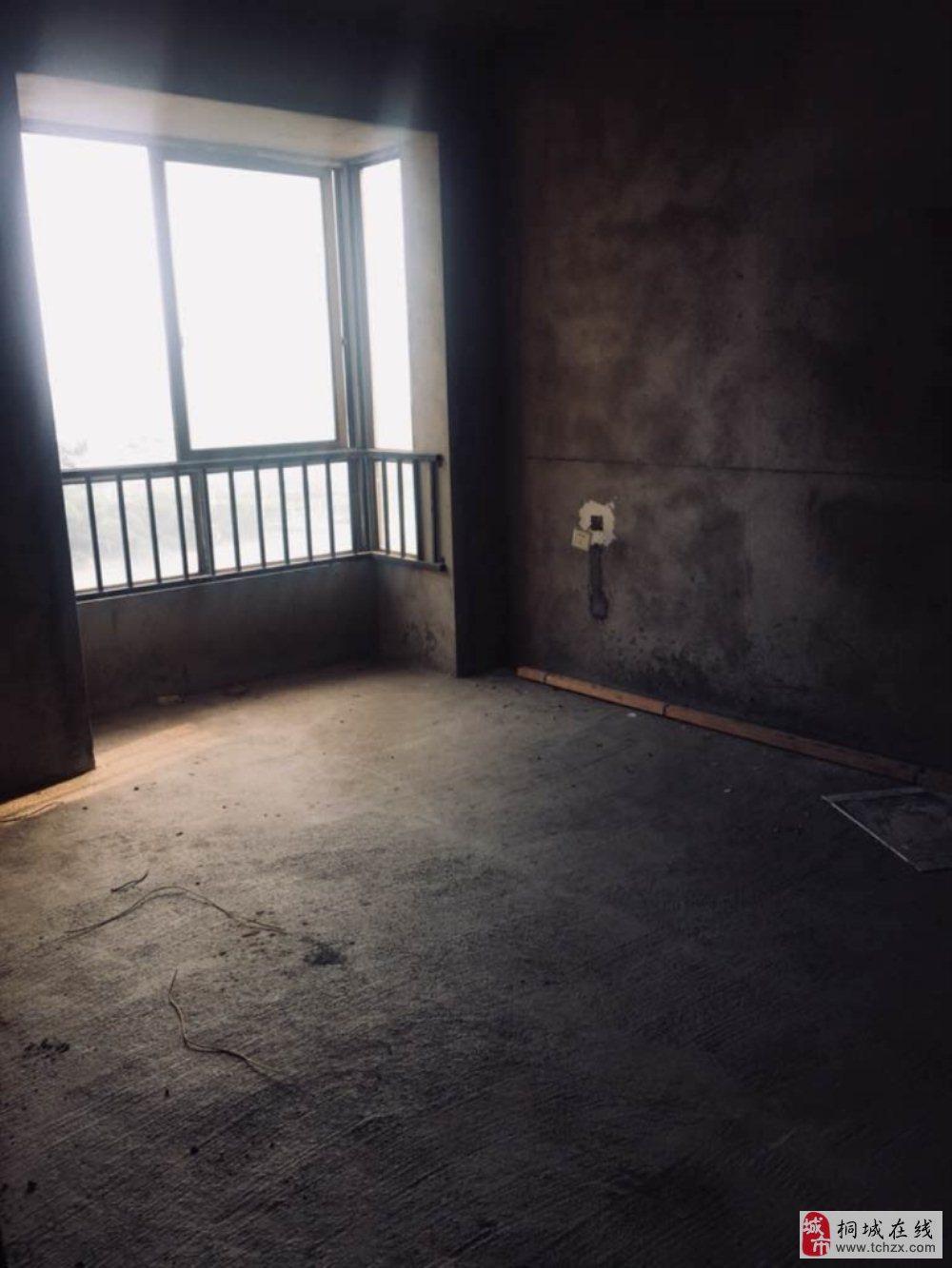 香山公馆2室全新毛坯房电梯房中间楼层业主诚售