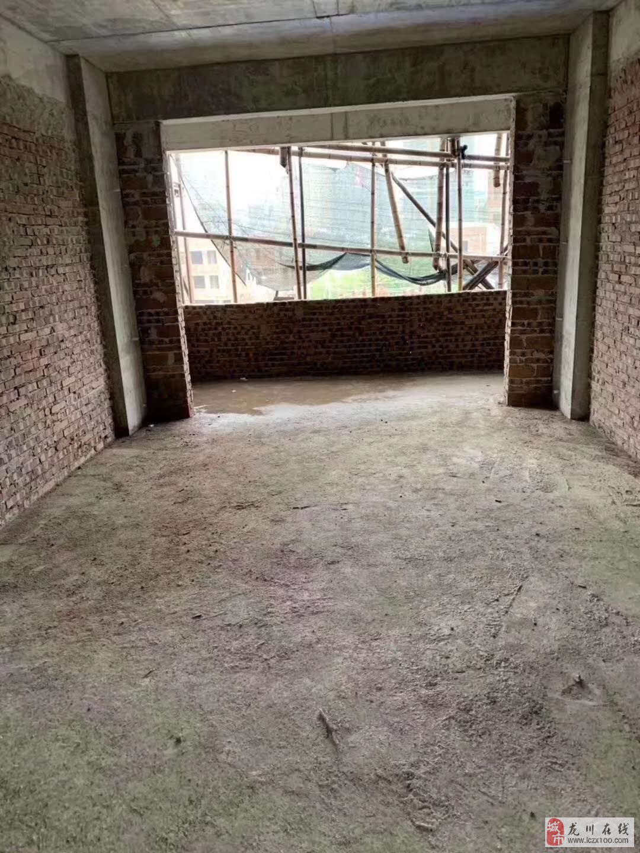 新一中对面莲南村3室2厅2卫19万元