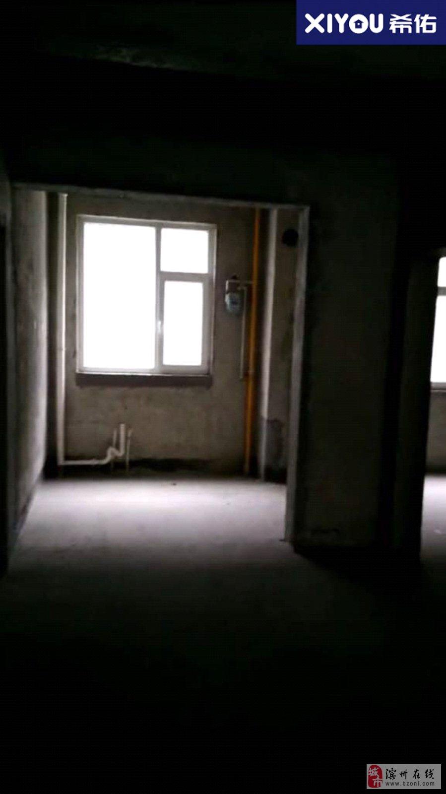 亚泰泽丰苑3室2厅1卫75万元