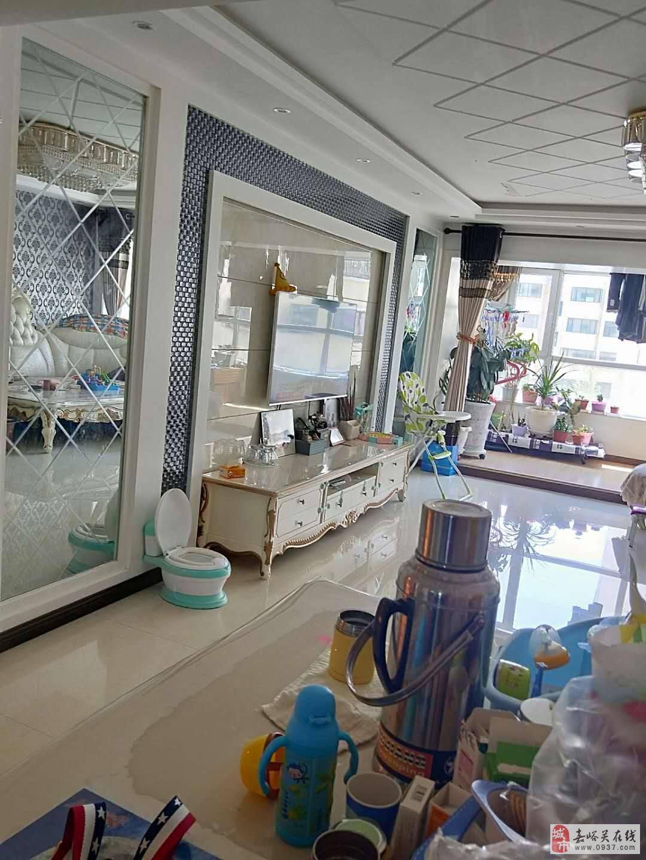 东湖明珠花园3室2厅1卫68万元