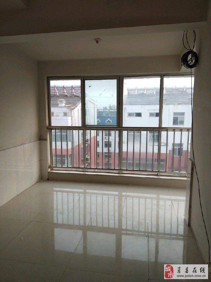 三中東方家園3室2廳1衛31萬元