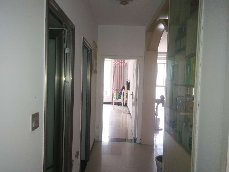 滨江小学旁3室2厅2卫45万元