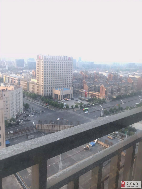 玖隆財富廣場,簡裝三室,戶型大氣城區繁華地段,滿2