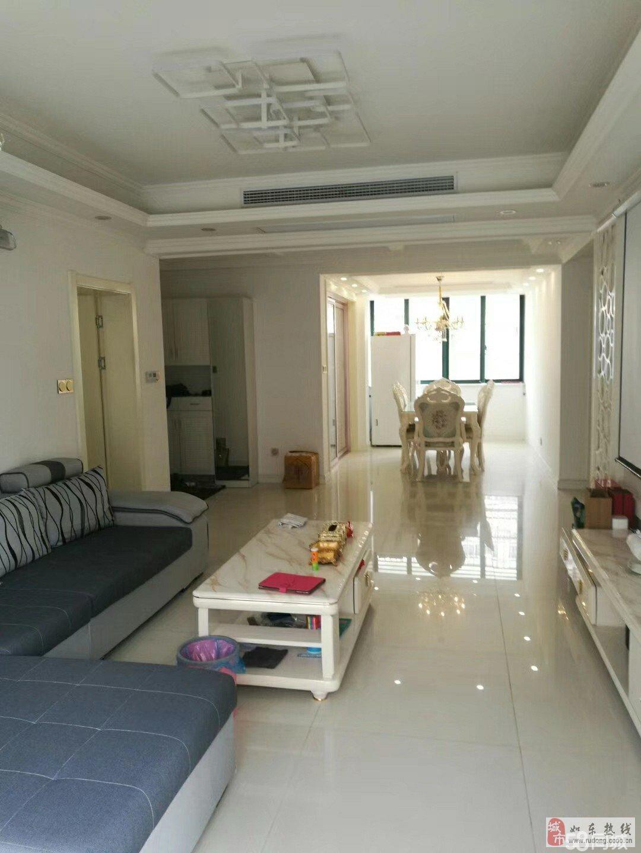中坤苑118平米精装修40平米的附房总价128万