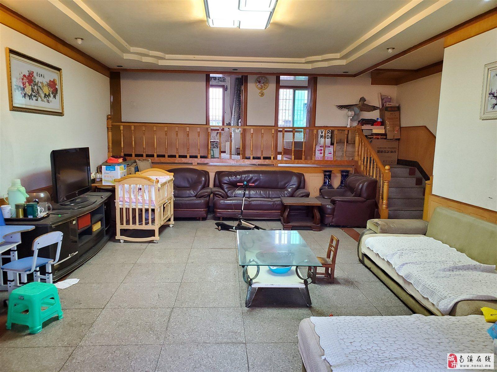 老城区 低首付 错层结构 超大面积的3室 户型采光完美