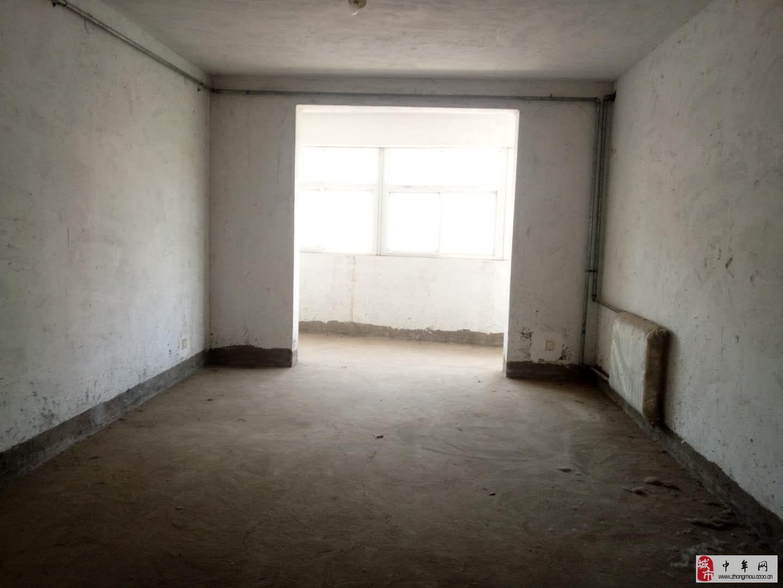 博士園小區3室2廳2衛80萬元