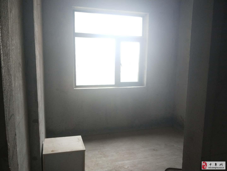 鄭東·中央御景3室2廳2衛125萬元