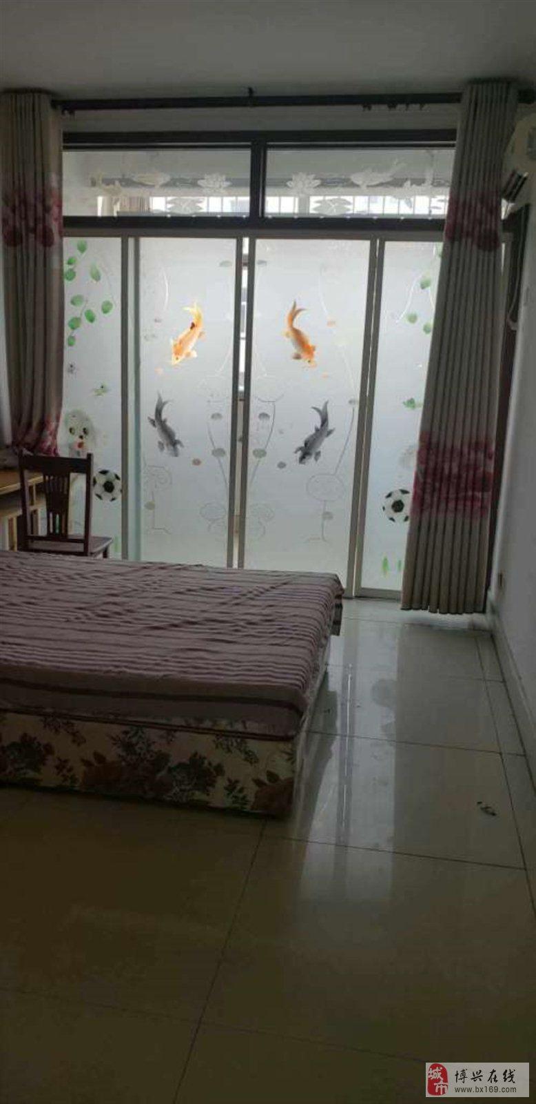 4908阳光花园3室2厅1卫125万元