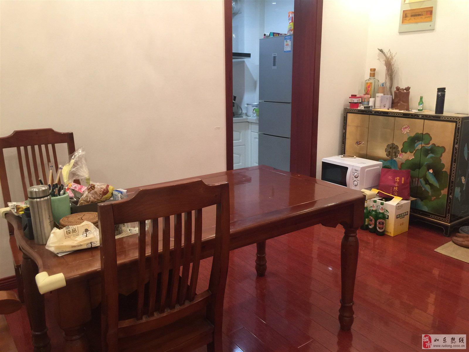 爱民小区精装修3室2厅2卫126平米112万元