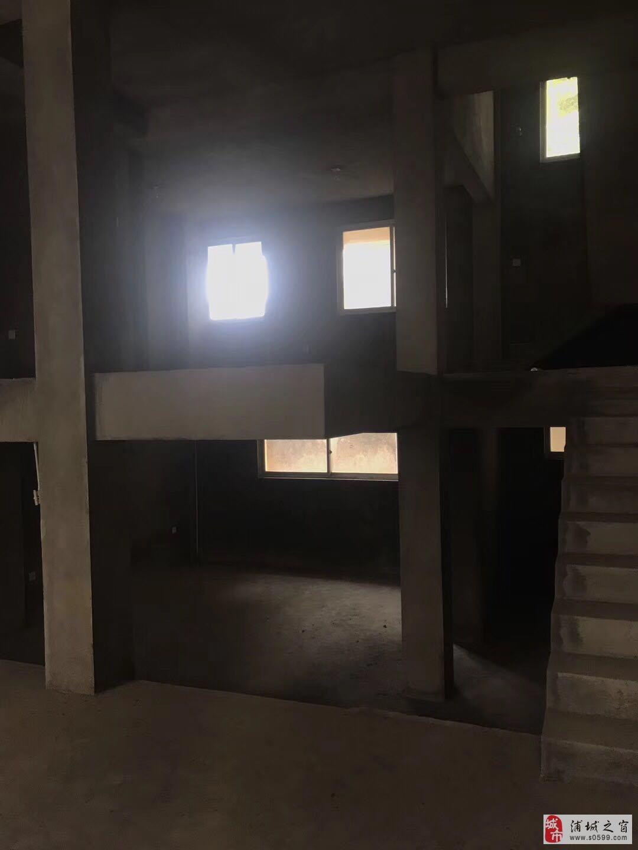 上青岭别墅5室3厅4卫136万元