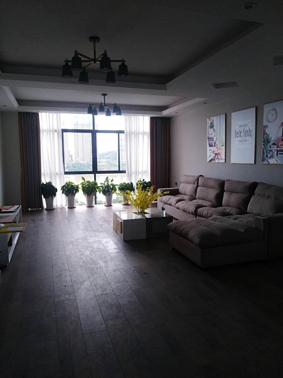 阳光水岸精装一线江景房!三室二厅带双大露台仅售69.6万