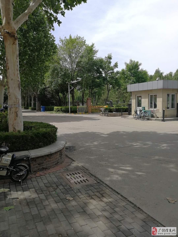 凯泽名苑128平4楼精装修带车库南北通透户型