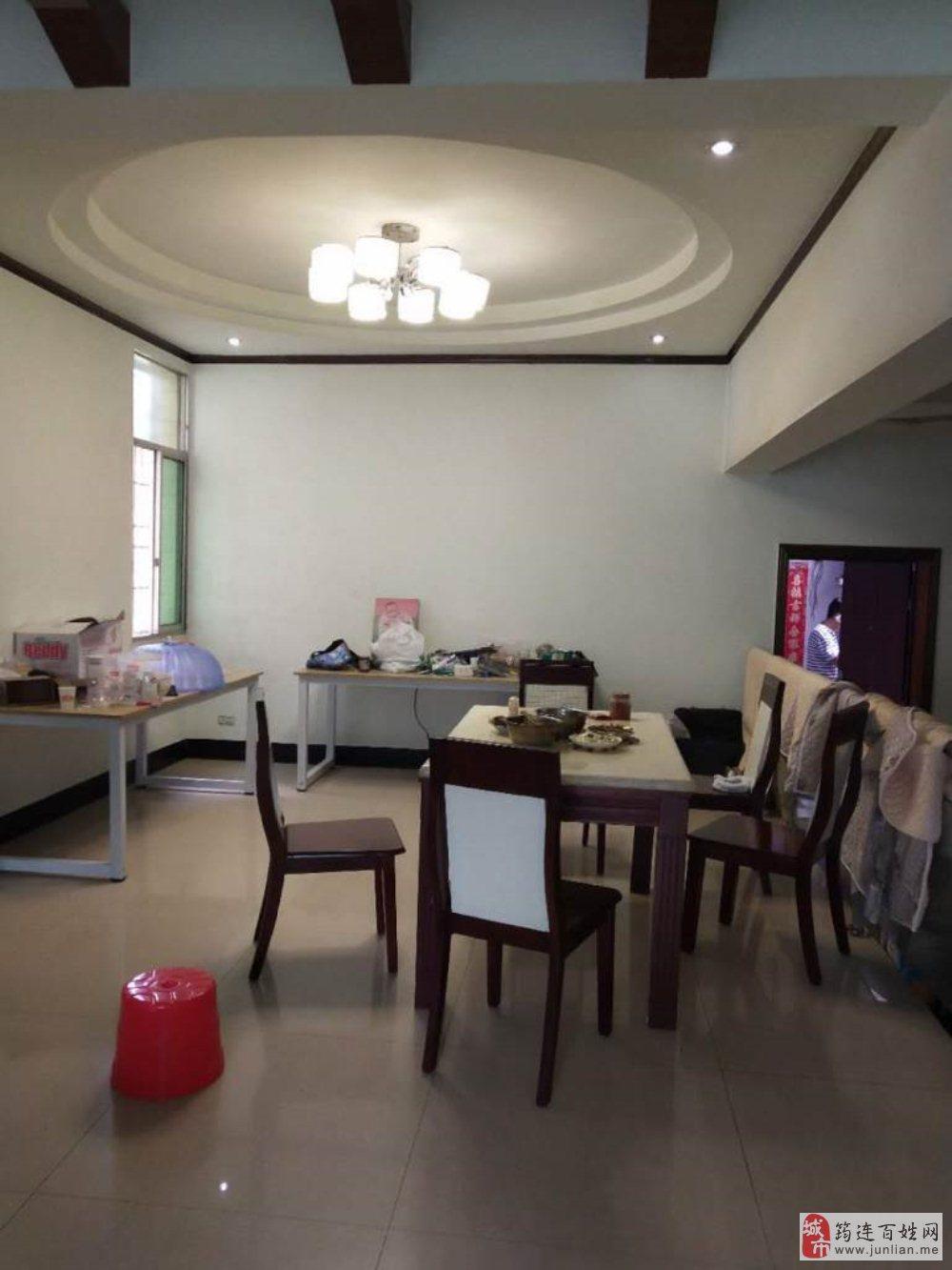 筠州中路3室2厅2卫60.8万元
