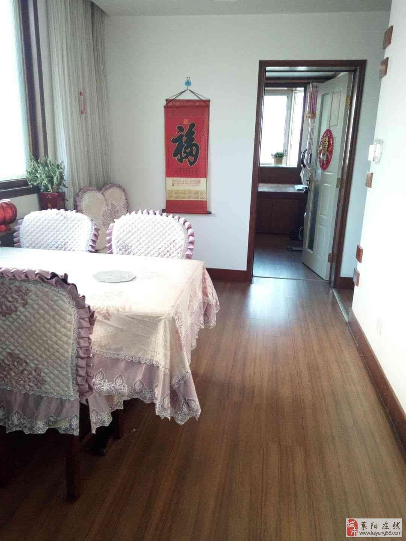 东盛山庄3室2厅2卫带小房20平88万元