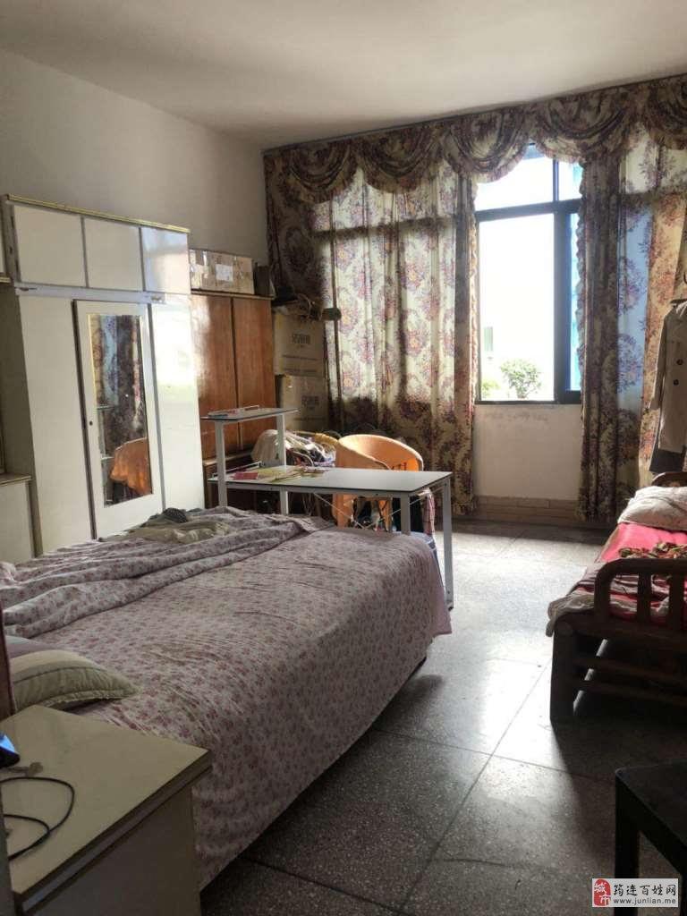 定水路3室2厅1卫48万元