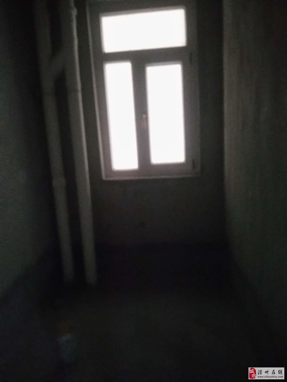 出售夢想城三室二廳電梯高層毛坯現房